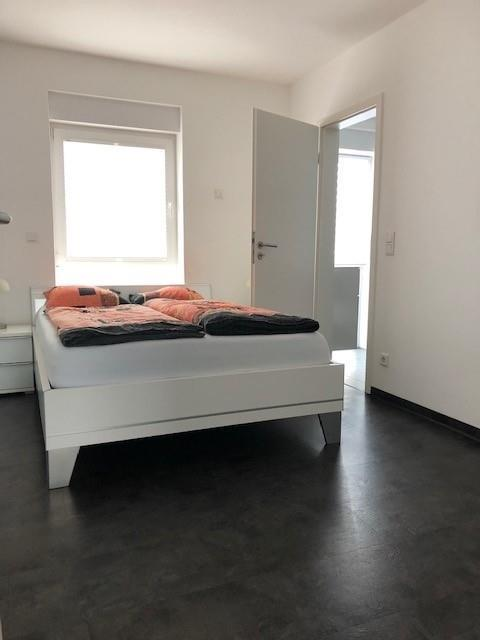 Schlafzimmer mit Bad en-suite
